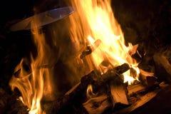 Cuisson avec l'incendie Image libre de droits