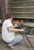 Cuisson d'un pain Photo libre de droits