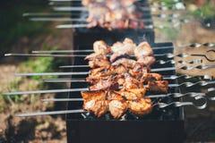 Cuisson de chiche-kebab images libres de droits