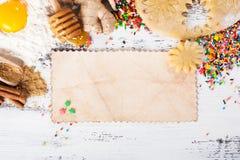 Cuisson de fond Ingrédients pour des biscuits de gingembre photos stock