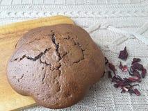 Cuisson de gâteaux de rouge de ketmie Image stock