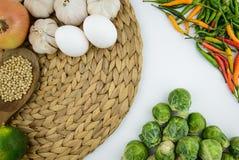 Cuisson de l'ingrédient et du légume photographie stock