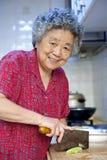 Cuisson de la grand-mère Image libre de droits