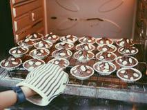 cuisson de mon 'brownie' Photographie stock libre de droits