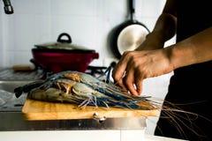 Cuisson des fruits de mer thaïlandais Photos libres de droits