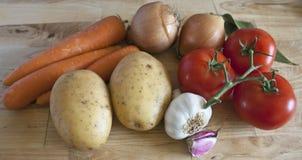 Cuisson des ingrédients sur le hachoir Images stock