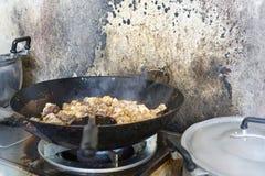 Cuisson du poulet, gingembre de poulet frit d'émoi Photos stock