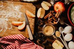 Cuisson du procédé de boulangerie d'en haut Photo stock