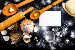 Cuisson du processus de petits gâteaux Photographie stock libre de droits