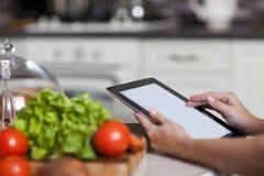 Cuisson, technologie et concept à la maison Photo stock