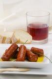 西班牙语Cuisune。辣香肠。Chistorra。 库存图片