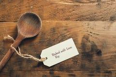 Cuit au four avec l'étiquette d'amour Image libre de droits