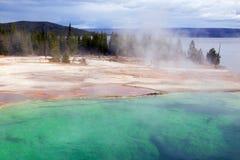 Cuivre occidental de bassin de geyser de pouce et vert, PA nationale de Yellostone photo libre de droits