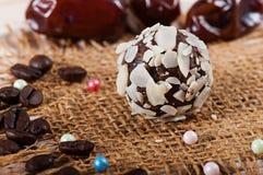 Cukierek cukierków migdały i daty fotografia stock