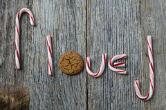 Cukierek trzcina literuje słowo miłości Zdjęcie Royalty Free