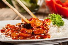 Cukierki i podśmietanie kurczak z ryż Zdjęcia Royalty Free