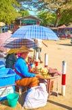 Cukierki sprzedawca w Starym Bagan, Myanmar Fotografia Stock