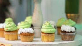 Cukierki stołu ustalony pirozhenok jako tła ciasteczka ewentualni produkty używać zbiory