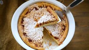 Cukierki tort z dżemem w ceramicznej formie zdjęcie wideo