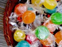 Cukierki w koszu Obrazy Stock