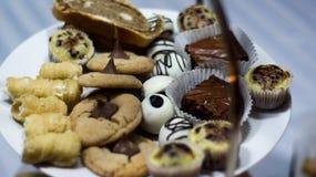 Cukierki wystawiają przy weselem Zdjęcia Royalty Free