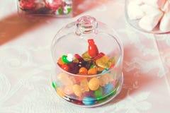 Cukierku bar Round marmoladowa i zaokr?glona czekolada jest bardzo kolorowa zdjęcia stock