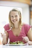 cukierniana łasowania lunchu kobieta zdjęcie stock