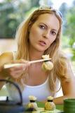 cukierniana chopsticks japanise kobieta Zdjęcia Stock