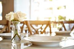 cukierniany słuzyć lato stołu taras Obraz Royalty Free