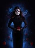 Cukrowa czaszki kobieta z wzrastał Obrazy Royalty Free