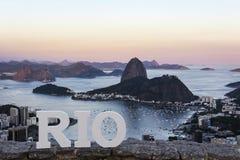 Cukrowego bochenka góra przy zmierzchem, Rio De Janeiro, Brazylia obrazy royalty free