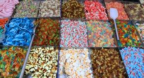 Cukrowy cukierek na sprzedaży w rynku kramu Obraz Stock