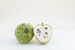 Cukrowy jabłko dalej odizolowywa na białym tle fotografia royalty free