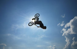 Culbute à l'envers de BMX Image libre de droits