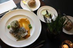 Culinária europeia do restaurante, faixa da truta Imagem de Stock