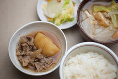Culinária japonesa Nikujaga (carne-batata) Imagens de Stock Royalty Free