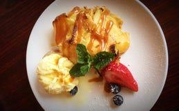 Culinária surpreendentemente extravagante do tarte de maçã imagem de stock