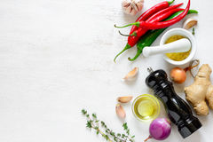 Culinaire achtergrond met het koken van ingrediënten royalty-vrije stock afbeeldingen