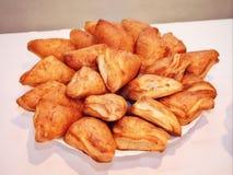 Culinaire producten - cakes op de lijst Stock Foto's