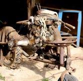 Cultivador idoso e oxidado abandonado em uma garagem do stora da exploração agrícola Imagens de Stock Royalty Free