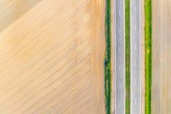 Cultivo de concepto de los problemas, paisaje aéreo Textura del suelo seco fotos de archivo libres de regalías