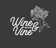 Culto del bianco del vino sul nero Fotografie Stock
