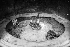 Culto di fuoco: Fuoco all'altare durante la cerimonia Fotografia Stock