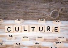 Cultura de letras de madera imagen de archivo