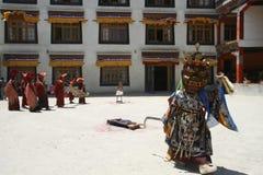 Cultura, la India, budismo, templo, viaje, religión, fe, montaña, exótica, rezo Imágenes de archivo libres de regalías