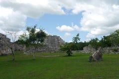 Cultura maya México de Pyramide de las ruinas mayapan Foto de archivo libre de regalías