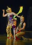 CULTURA TEATRALE DI BALLO DI PRESTAZIONE DELL'INDONESIA WAYANG WONG fotografia stock libera da diritti