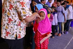 Culture of kissing the hands of adults