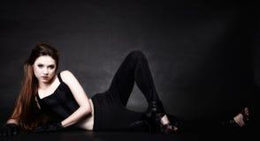 Fille punk de pleine beauté de corps, culture secondaire Photographie stock