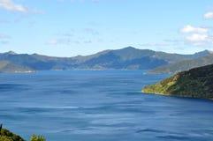 Cultures d'or et champs entourant Napier, Nouvelle-Zélande Photographie stock